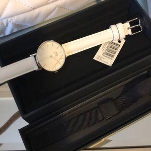 Classic petite bondi in white with strap